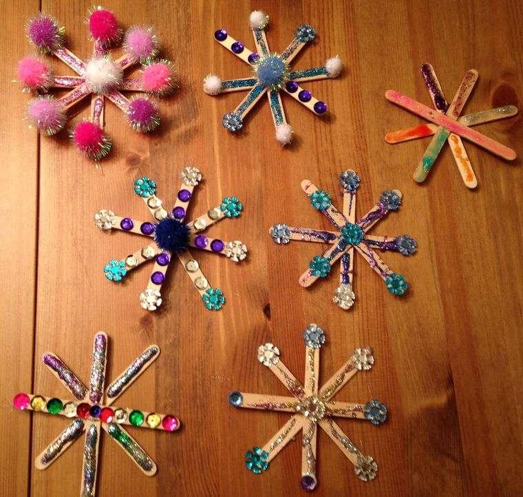 manualidades navideñas fáciles para niños copos