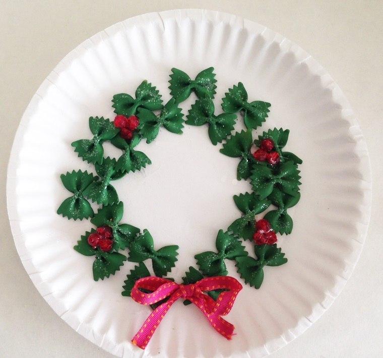 manualidades navideñas fáciles para niños coronass
