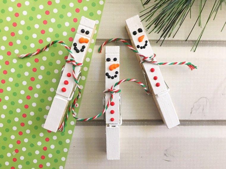 manualidades navideñas fáciles para niños ganchos