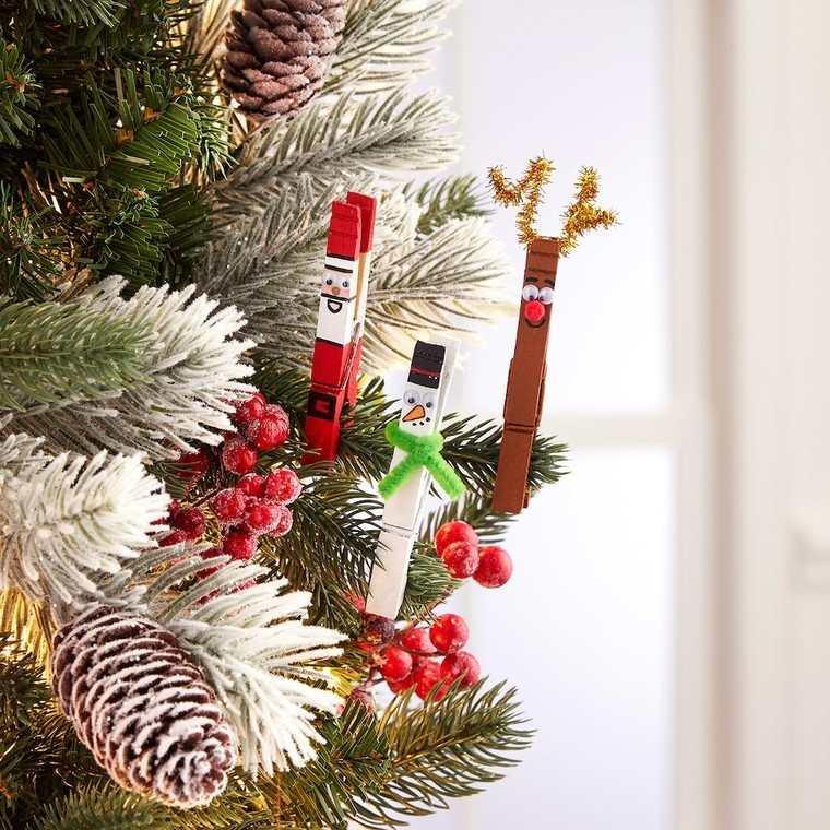 manualidades navideñas fáciles para niños pinzas