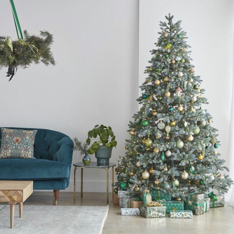 navidad-2020-adornos-arbol-verde