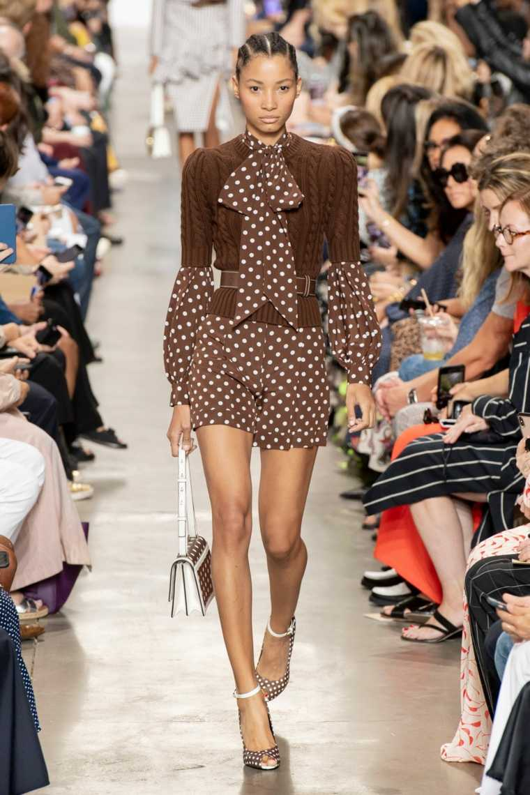 primavera-2020-tendencias-moda-lunares-michael-kors-ideas