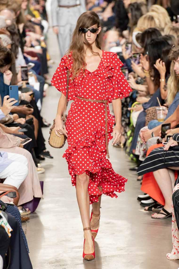 primavera-2020-tendencias-moda-lunares-michael-kors