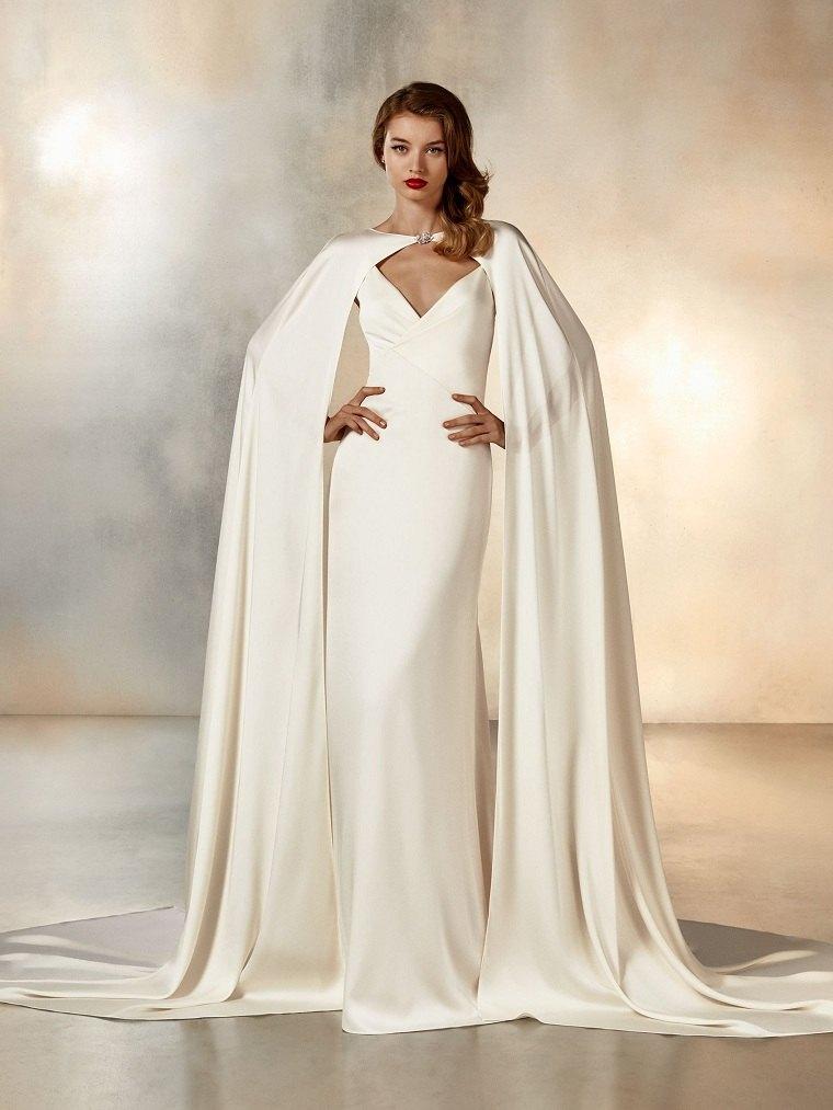 tendencias-de-boda-vestido-capa-pronovias