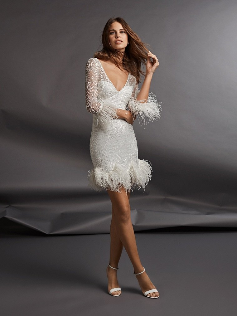 tendencias-de-boda-vestido-plumas-pronovias