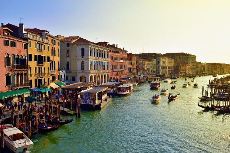 ¿El turismo de masas está causando daños irreparables los lugares más bellos de Europa?
