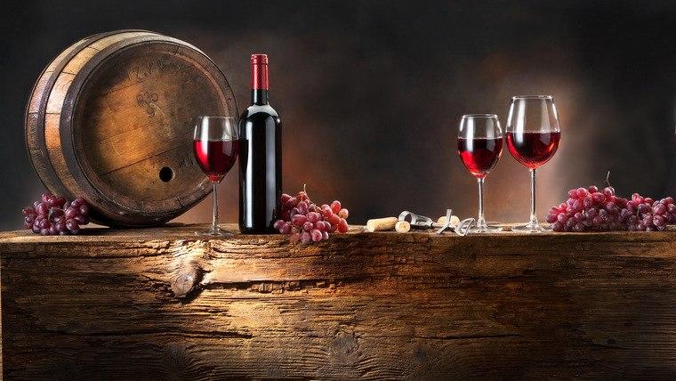 beneficios del vino tinto barril