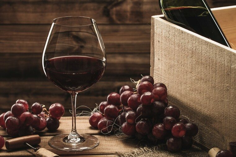 beneficios del vino tinto caja