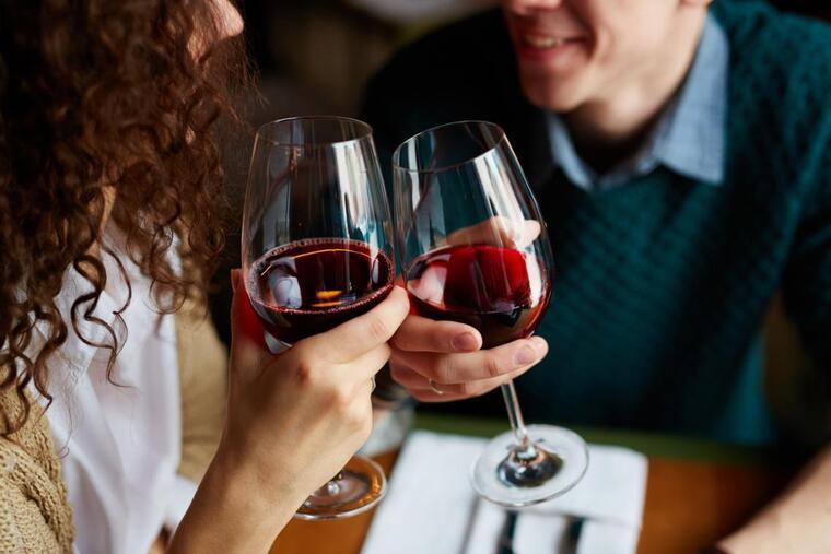 beneficios del vino tinto compartir
