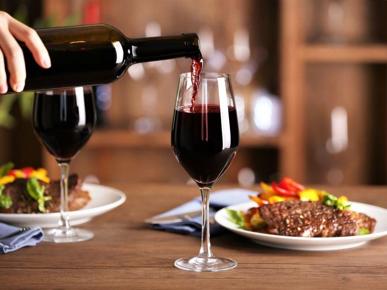 beneficios del vino tinto consumo
