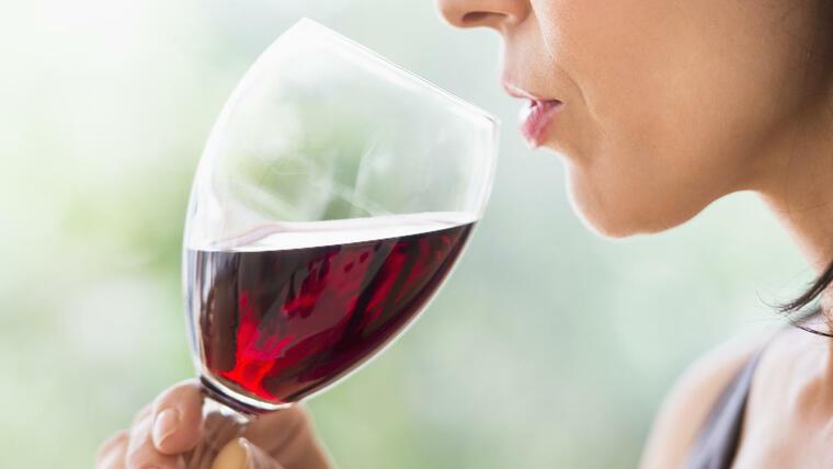 beneficios del vino tinto precaucion