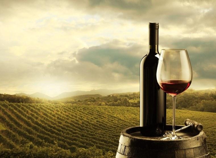 beneficios del vino tinto relaja