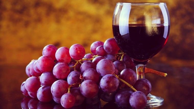 beneficios del vino tinto rojo