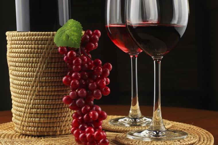 beneficios del vino tinto salud