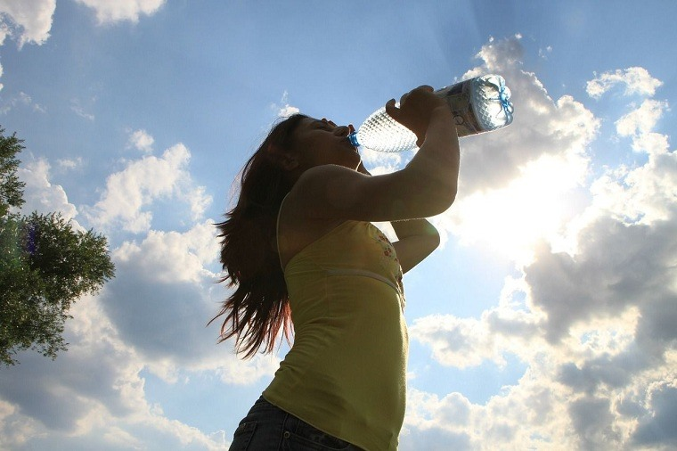 perdida-de-apetito-tomar-agua