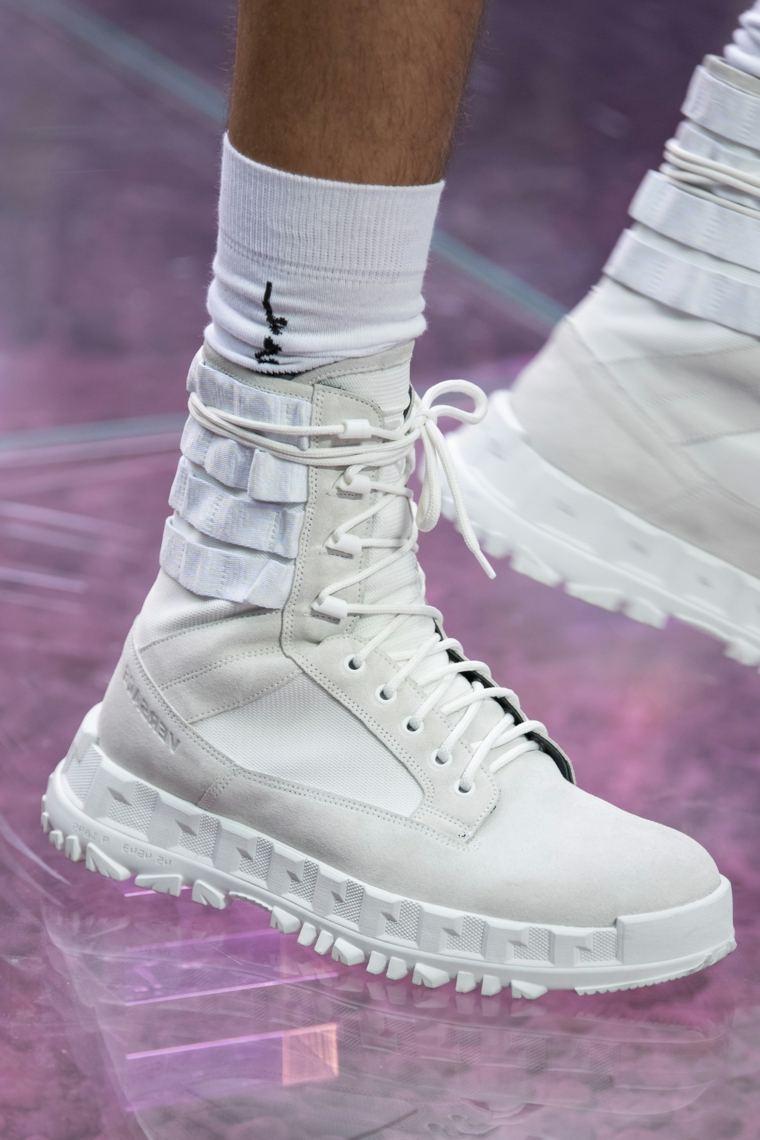 zapatos-otono-invierno-2020-blancos-altos