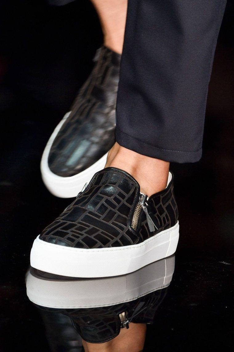 zapatos-otono-invierno-2020-negro-blanco