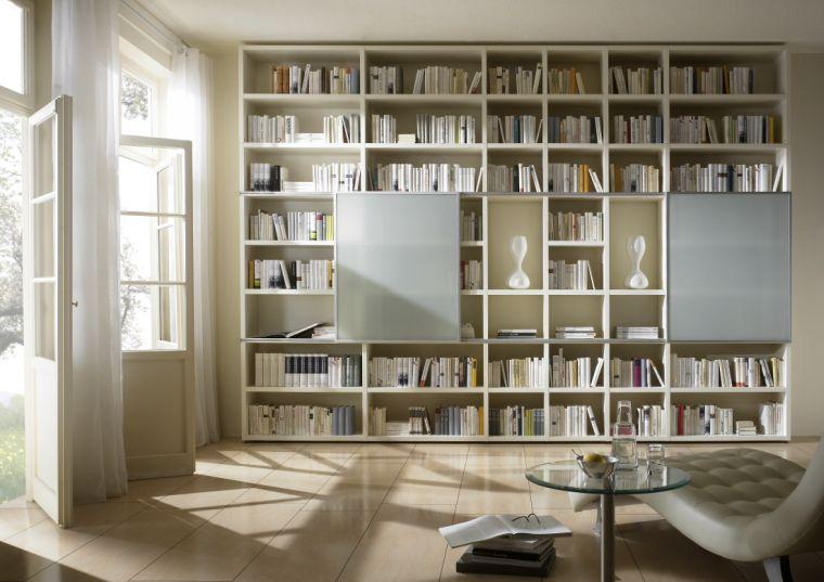 biblioteca en casa blanco