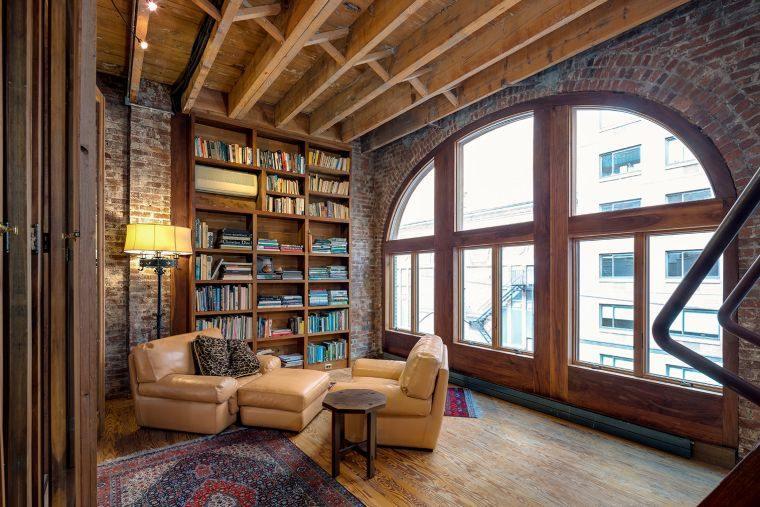 biblioteca en casa clasica