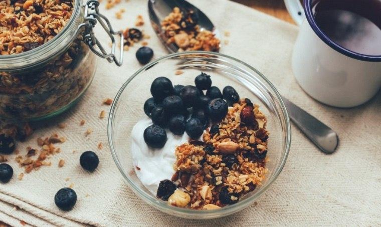 Desayunos rápidos y saludables-comer-cereales