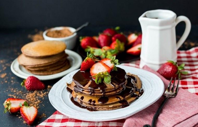 desayunos-rapidos-y-saludables-comer-tortitas