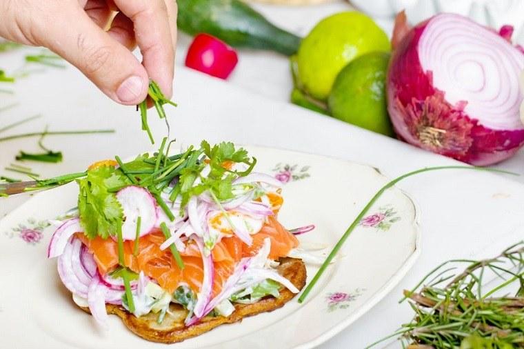 desayunos-rapidos-y-saludables-comer-tostadas