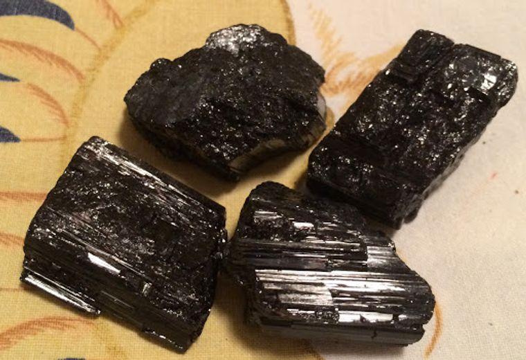 el poder de las piedras turmalina