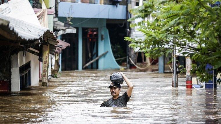 indonesia-capital-inundaciones-vispera-ano-nuevo