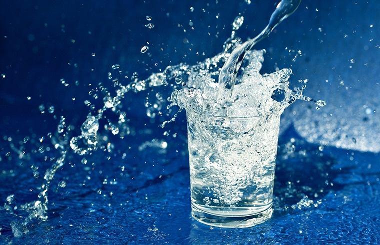 metabolismo-necesidad-tomar-agua