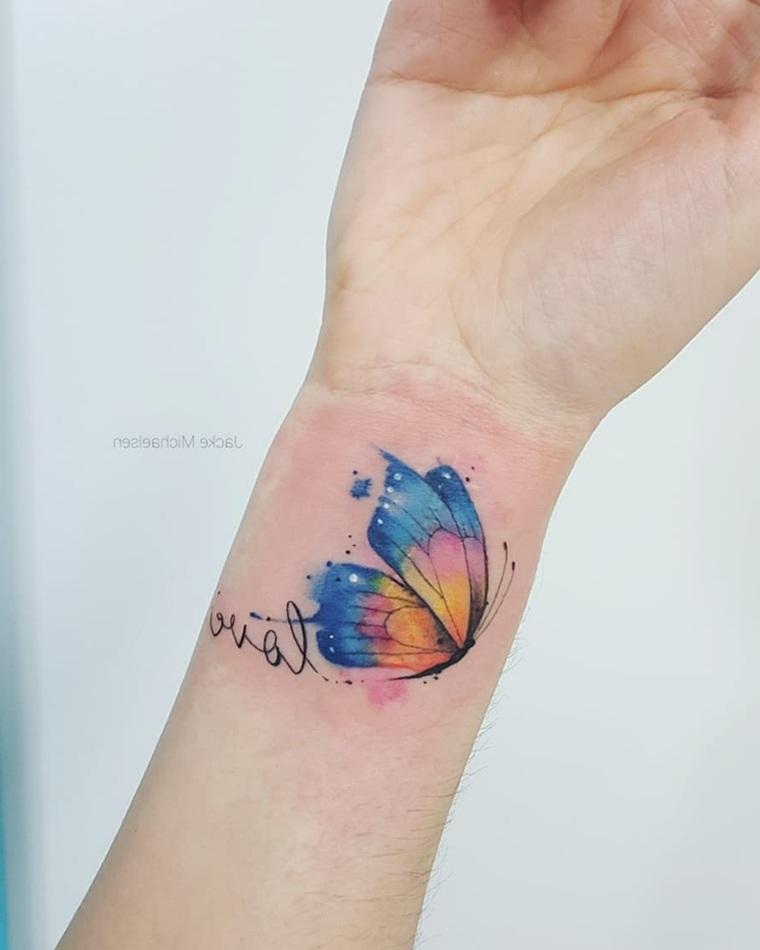 tatuaje-letras-love-tattoo-mano-diseno-colorido