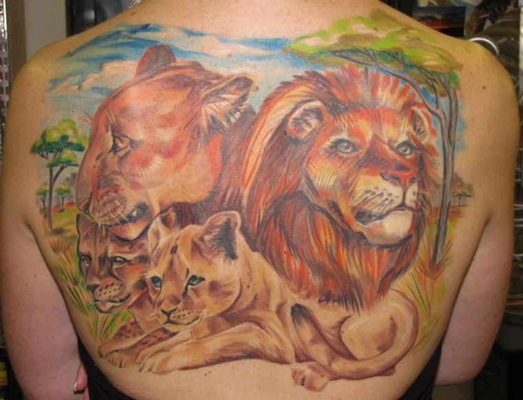 tatuajes de leones familia
