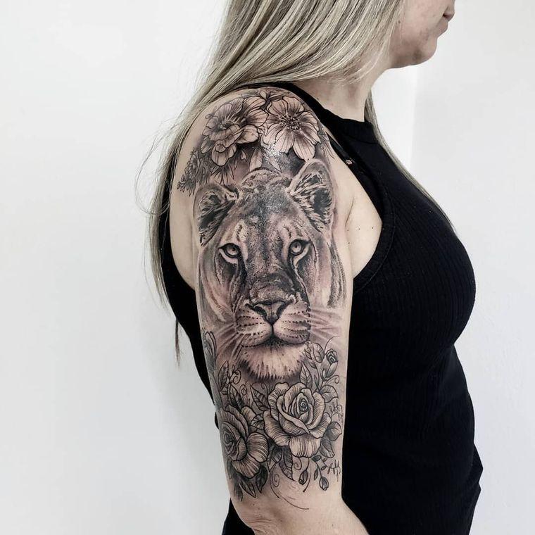 tatuajes de leones leona
