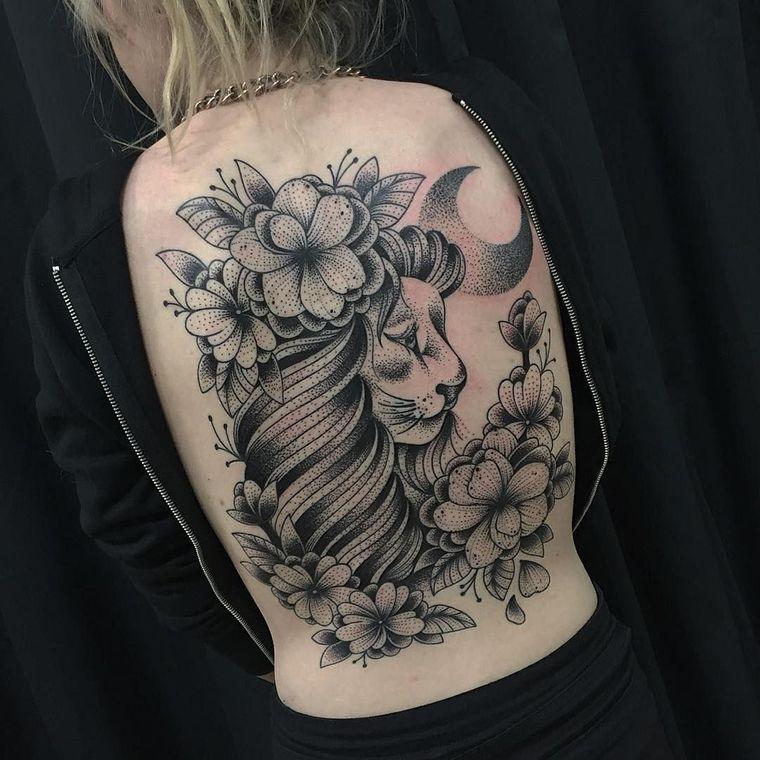 tatuajes de leones luna