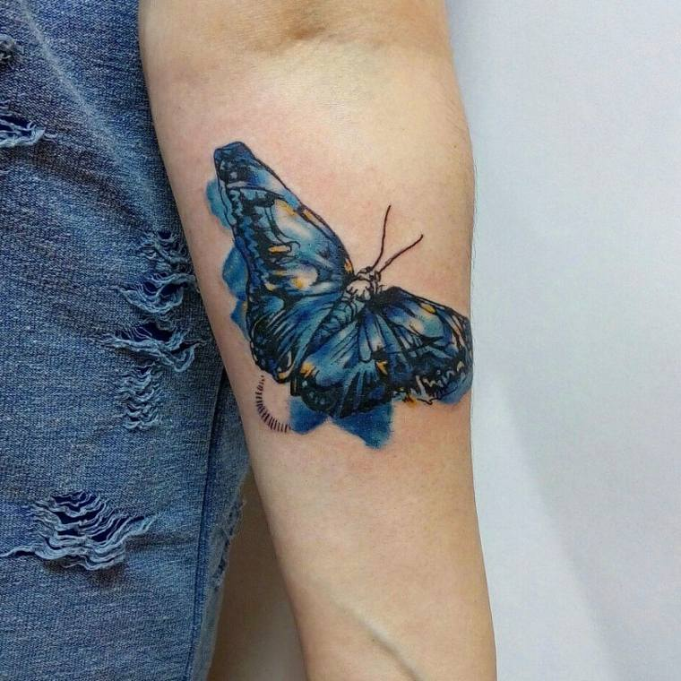 tatuajes-de-mariposas-color-azul-ideas