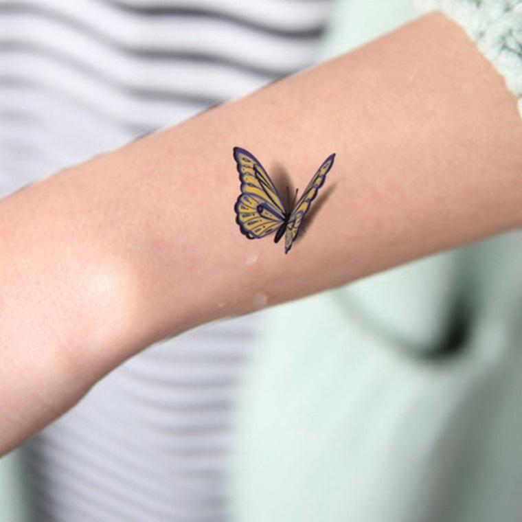 tatuajes-de-mariposas-mano-estilo-tatuajes-pequenos