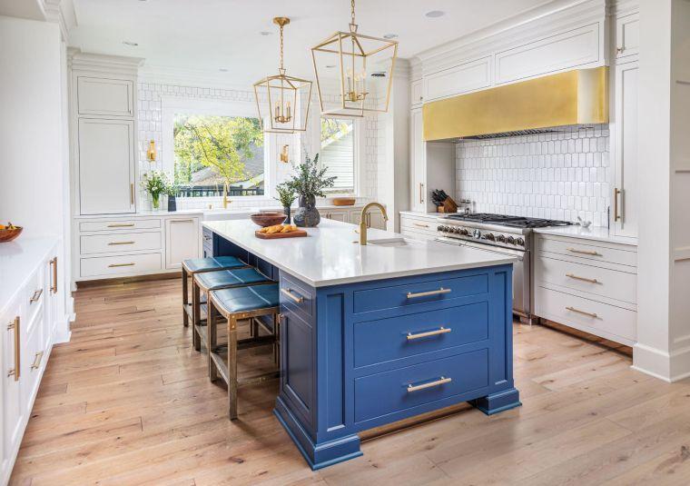 tendencias-2020-cocinas-modernas-isla-azul