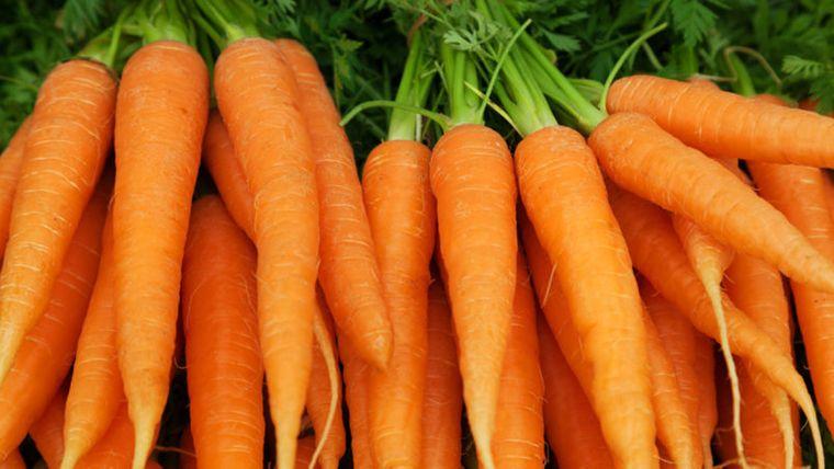 vitaminas para el cabello zanahorias