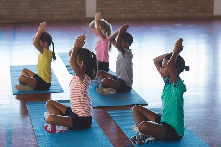 yoga para niños concentracion