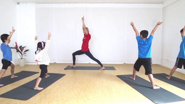 yoga para niños divertido