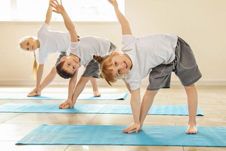 yoga para niños elasticidad