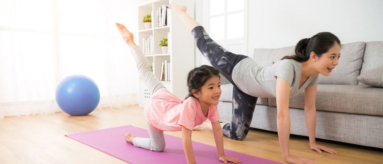 yoga para niños familia