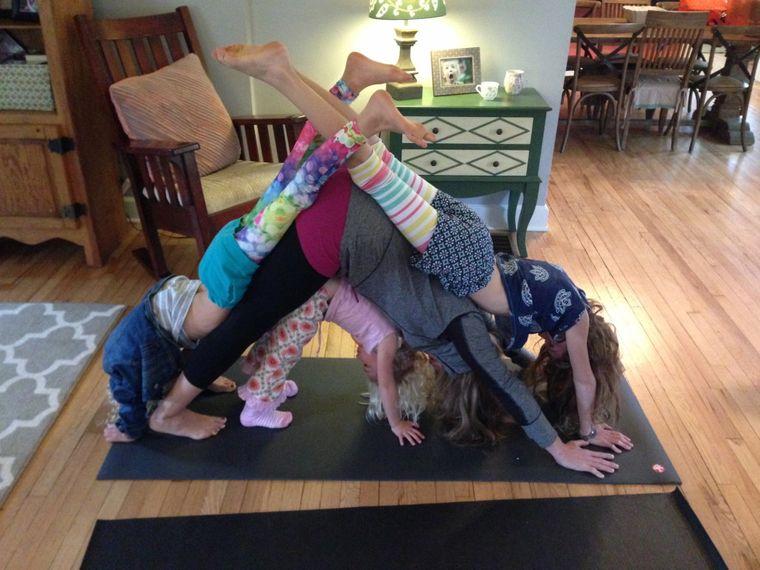 yoga para niños hogar