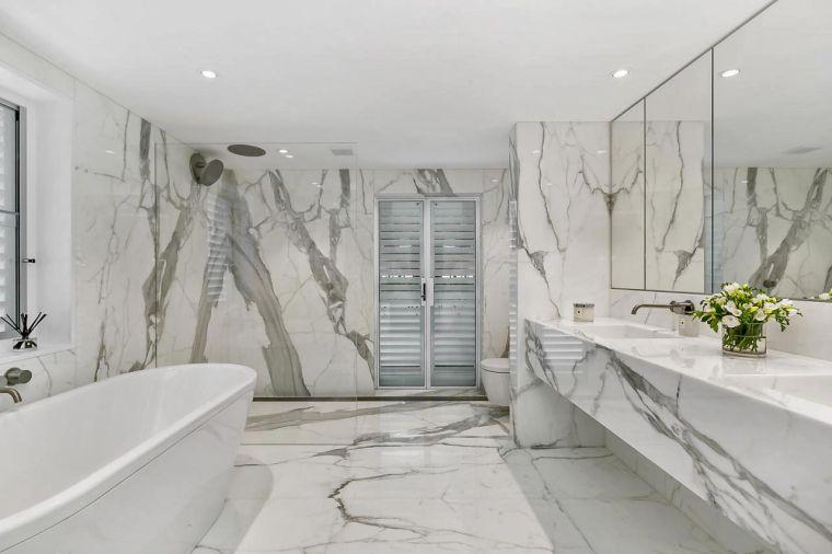 baños modernos con marmol