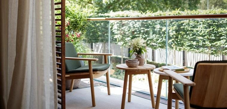 balcon-sillones-descansar-estilo