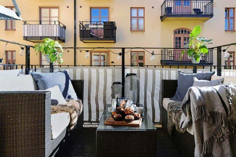 balcon-tendencias-2020-sillones-rattan