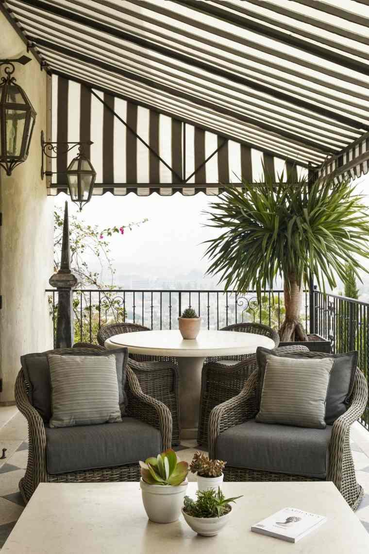 balcones-decorados-terrazas-2020-pergola-esilo