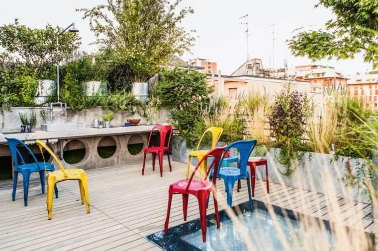 balcones-decorados-terrazas-2020-sillas