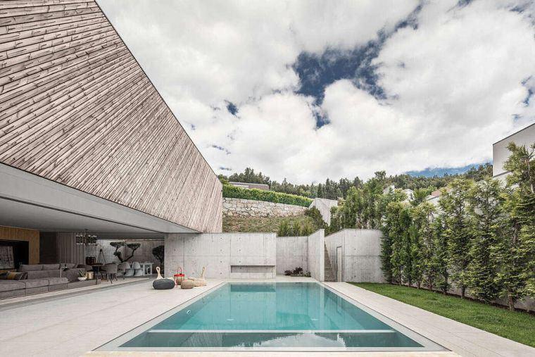 casa-piscina-diseno-moderno-2020