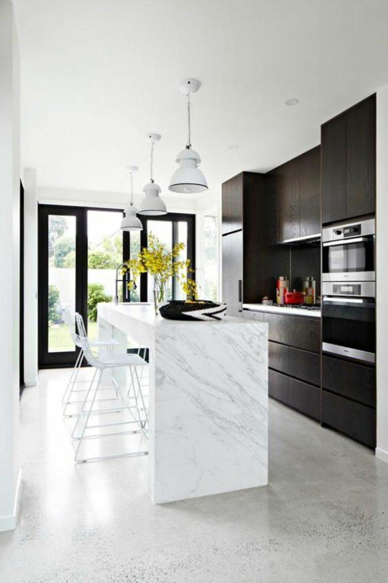 cocina con suelo de concreto