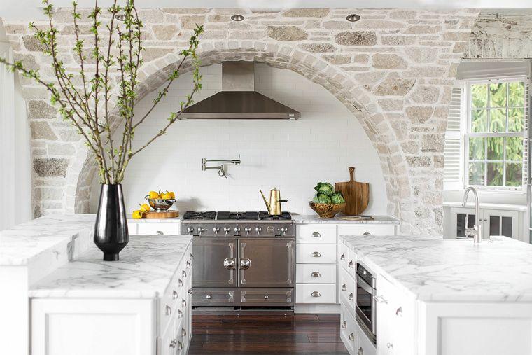 """cozinha de design-2020-duas-ilhas"""" width = """"760"""" height = """"507"""" srcset = """" https://casaydiseno.com/wp-content/uploads/2020/02/cocina-diseno-dos-islas-2020.jpg 760w, https://casaydiseno.com/wp-content/uploads/2020/02/cocina -design-two-islands-2020-720x480.jpg 720w """"tamanhos ="""" (largura máxima: 760px) 100vw, 760px """"/> <img data-count="""